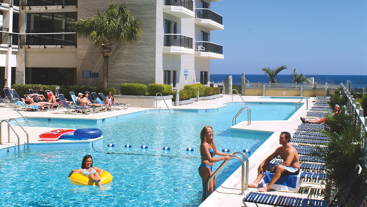 Oceanfront Carolina Winds Pool